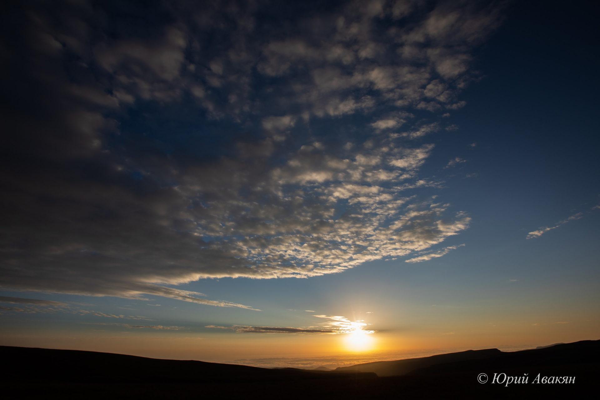 рассвет в горах Кавказа