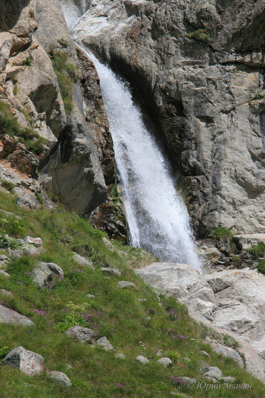 Водопад в Безенги