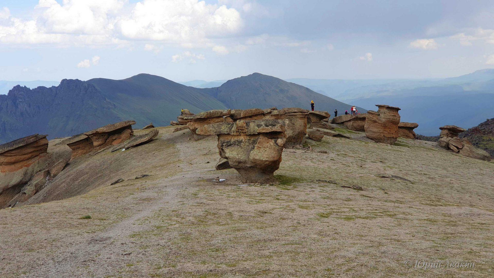 Каменные Грибы Эльбруса