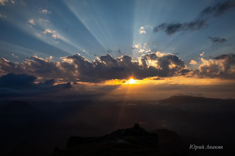 Вид на закат с Бермамыта