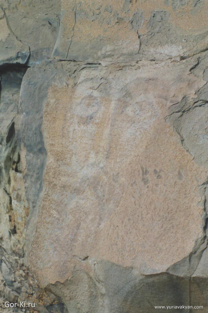лик Христа - икона на скале